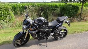 essai moto suzuki gsr 750 chez drym 39 s moto rennes. Black Bedroom Furniture Sets. Home Design Ideas