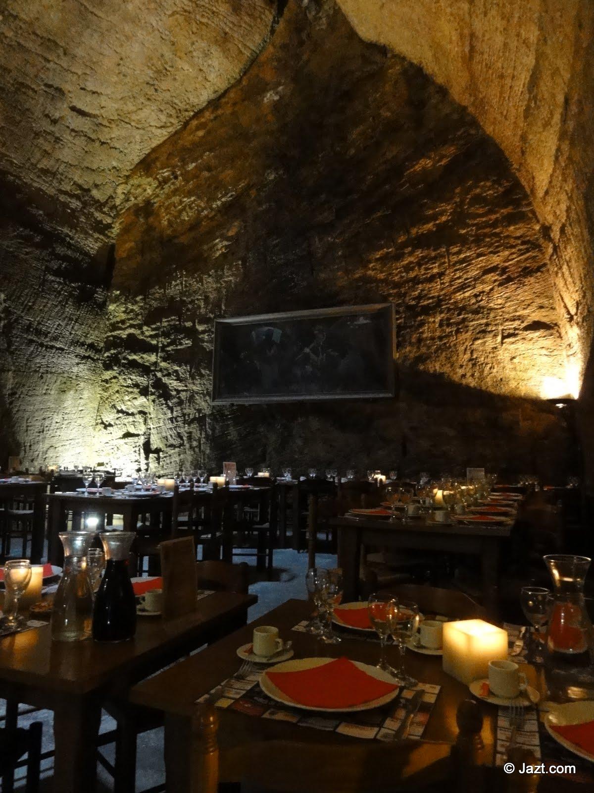 Restaurant traditionnel troglodyte