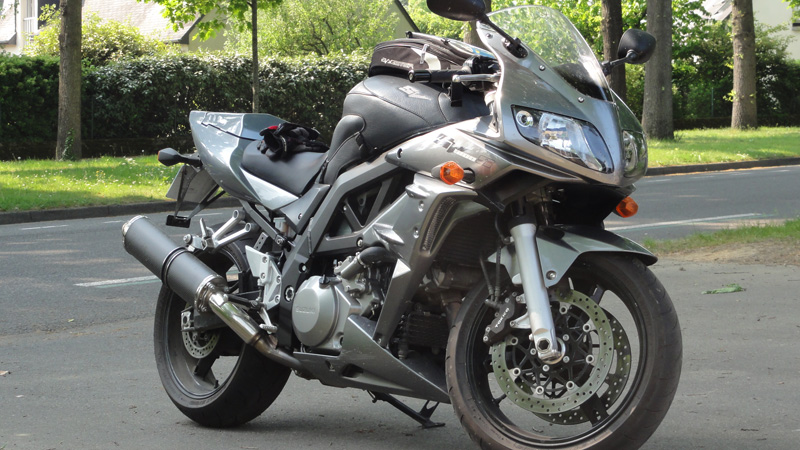 moto de David Jazt : SV1000 boxer S
