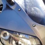 une moto à 2 roues