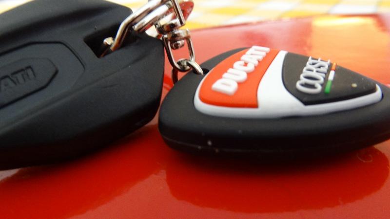 Clé de moto Ducati Streetfighter S