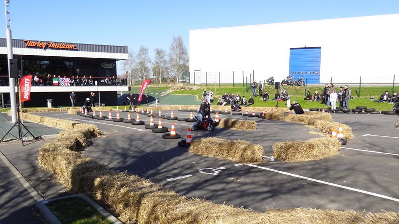 La compétition monte au Store ducati de Rennes