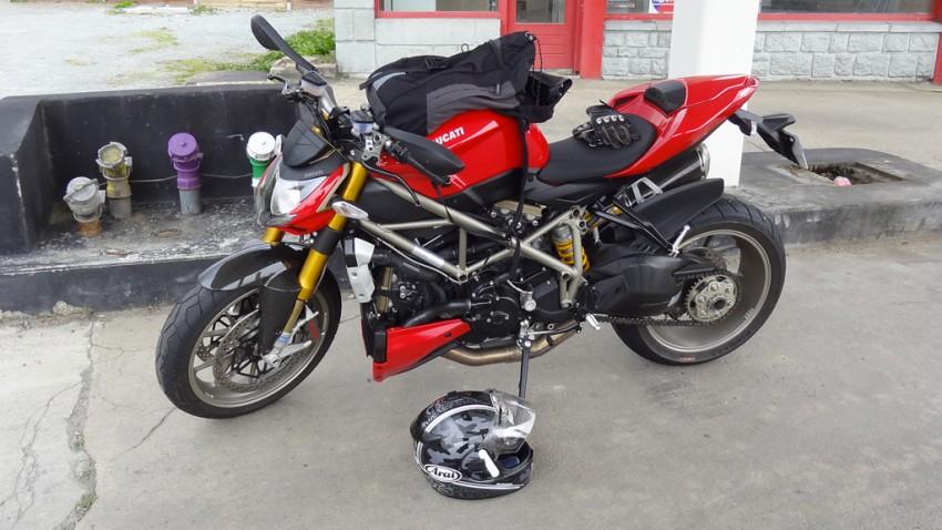S'équiper contre la pluie à moto