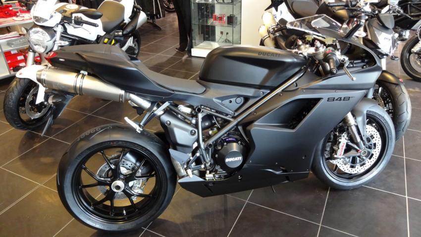 Ducati 848 evo black mat