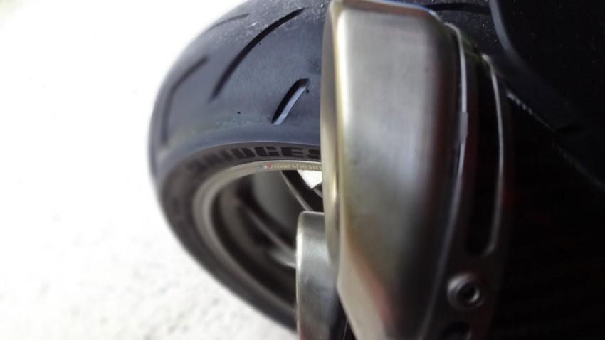 pneu moto Bridgestones