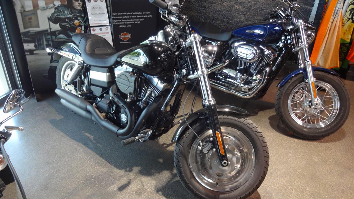 fat bob harley davidson en essai moto sur. Black Bedroom Furniture Sets. Home Design Ideas