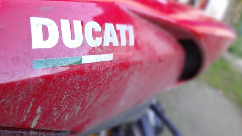 Nettoyer sa moto avec des produits bio