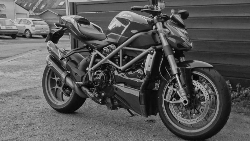 Moto Ducati 1098 S Streetfighter