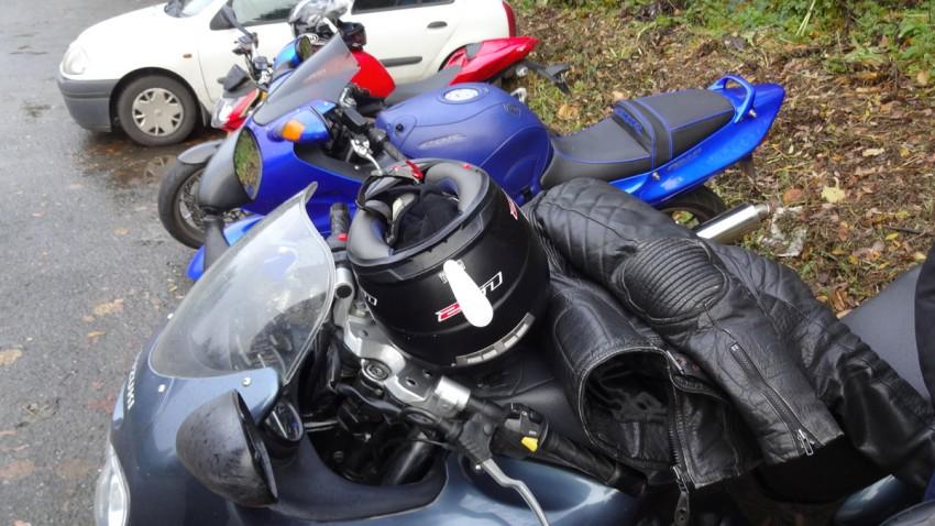 Arrêt moto à Léhon (22)