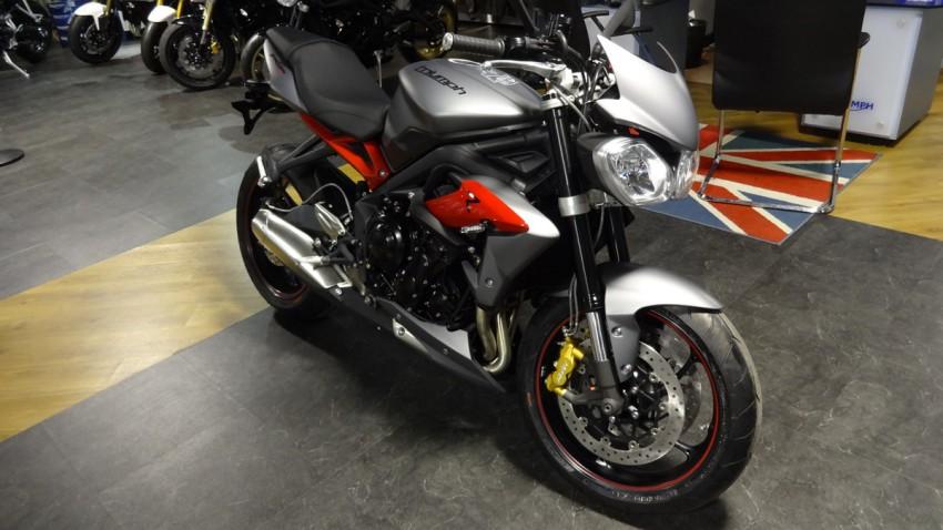 Moto Triumph Street Triple 675 R de 2013