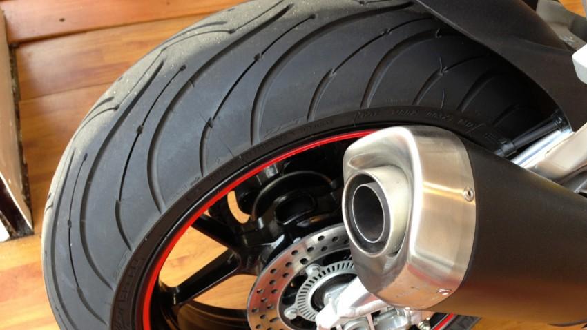 Michelin PR3 sur un RSV 4 APRC