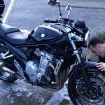 Lavage manuel moto : astuce