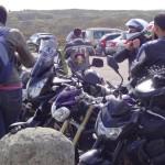 le motard s'équipe au départ
