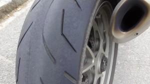 Bridgestones S20 ruiné sur un Ducati 1098 S Streetfighter