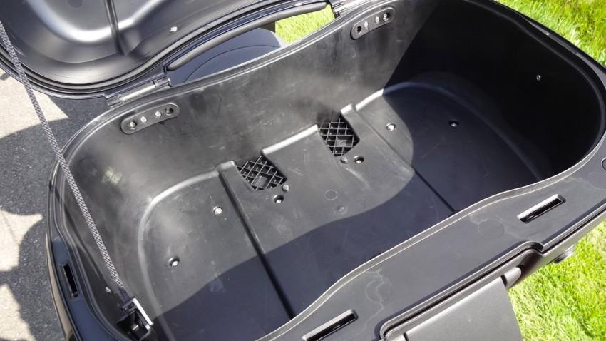 intérieur du top case BMW