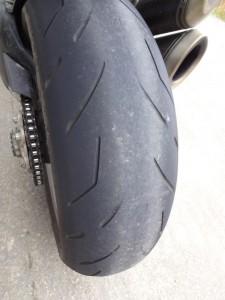 pneu usé bridgestone S20