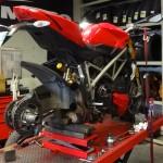 Streetfighter Ducati : nouveau pneu moto