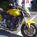 moto Honda Hornet 600 jaune