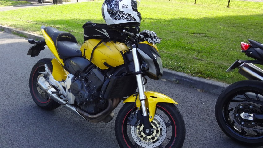 Honda Hornet 600 jaune