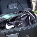 un sac de sport dans le top case du K13GT