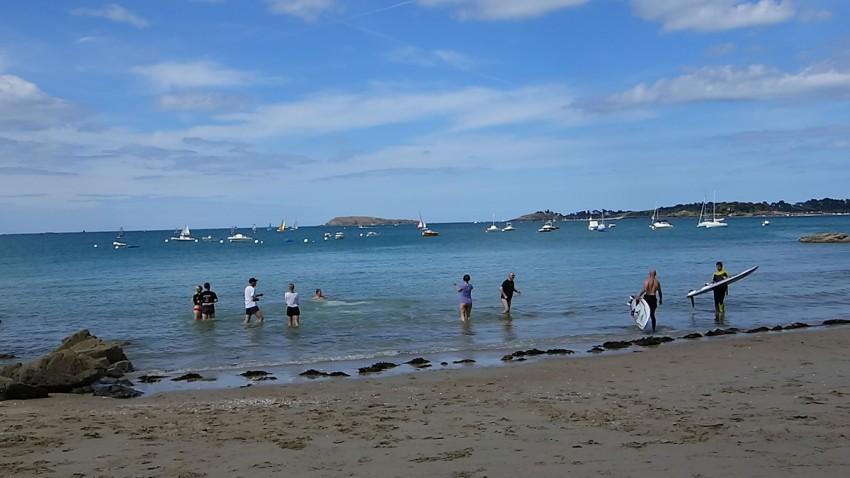 motard bretons se baignent dans la manche