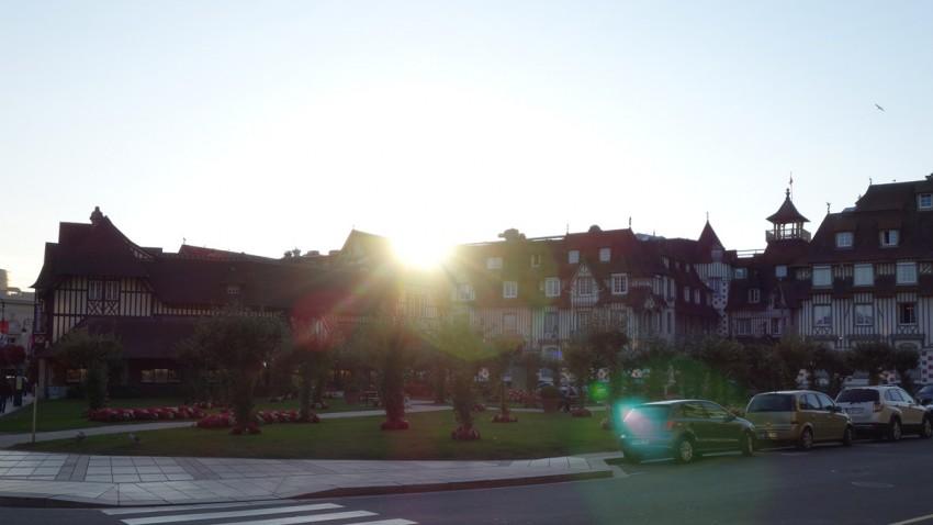 Ambiance à Deauville au couché de soleil