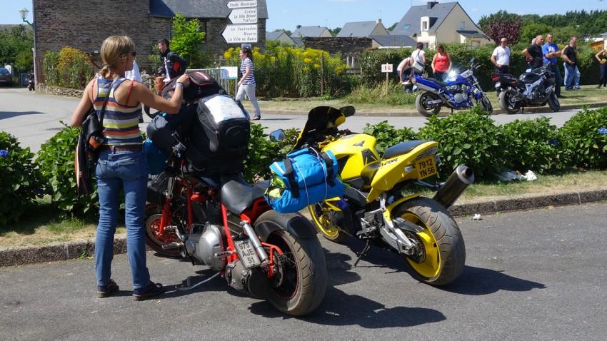 pas simple pour tourner la moto