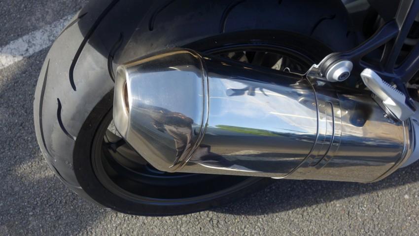 pot d'échappement sur le K1300S BMW moto village moto Nantes