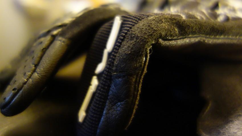 renforcement de cuir sur le gant Five5