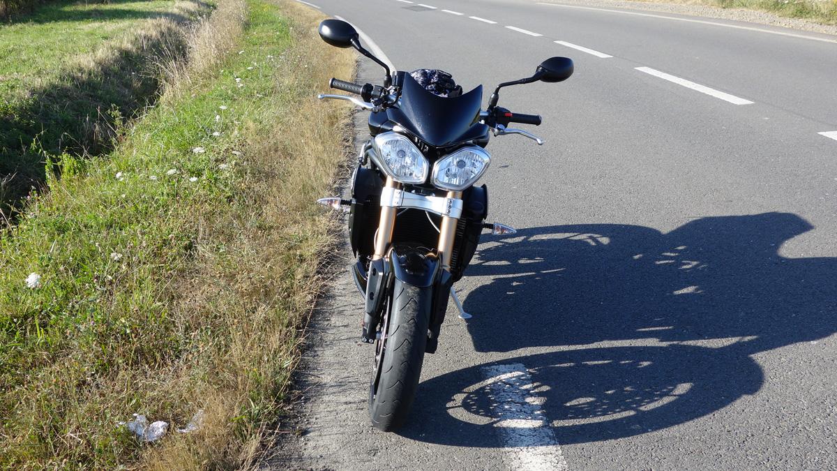 essai moto triumph speed triple 2013 pour filer l 39 anglaise. Black Bedroom Furniture Sets. Home Design Ideas