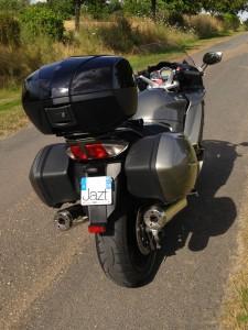 Valise et top case sur le FJR 1300 Yamaha