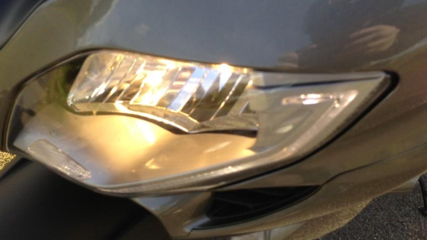 rappel des phare en LED sur le FJR