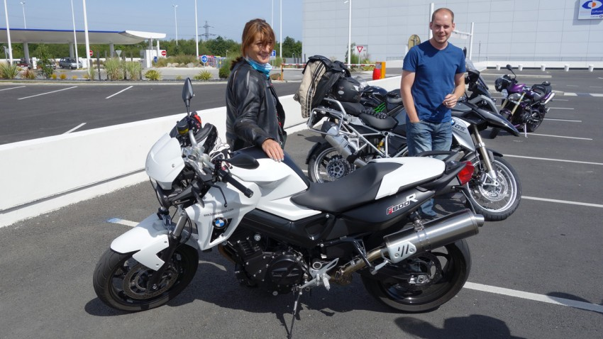 Magdalena et son F800R ainsi que Guillaume et son R1200GS