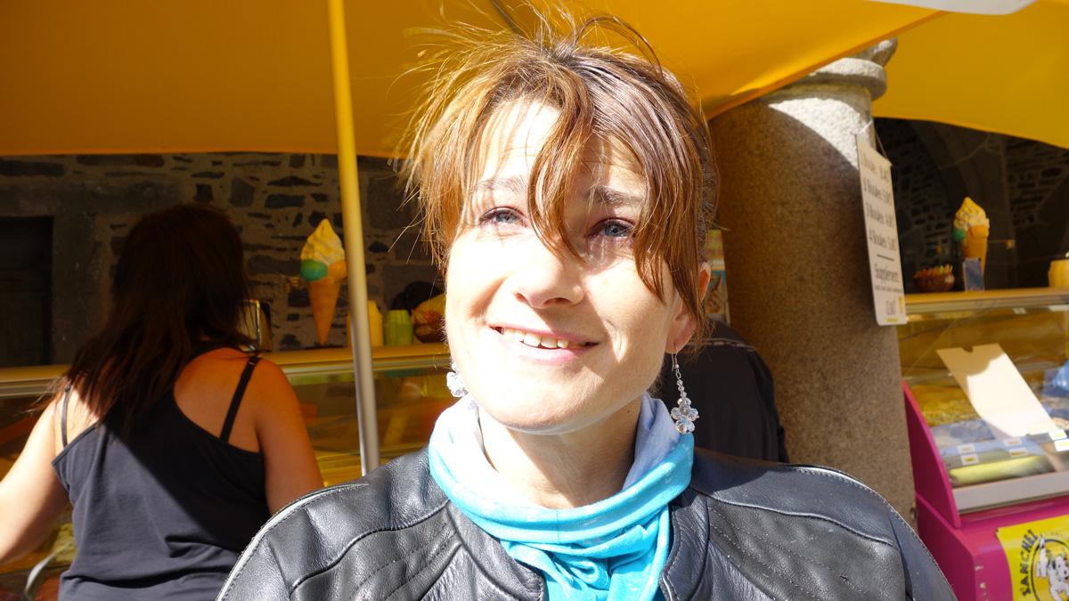 Magdalena, Rennes, motarde en BMW F800R blanche