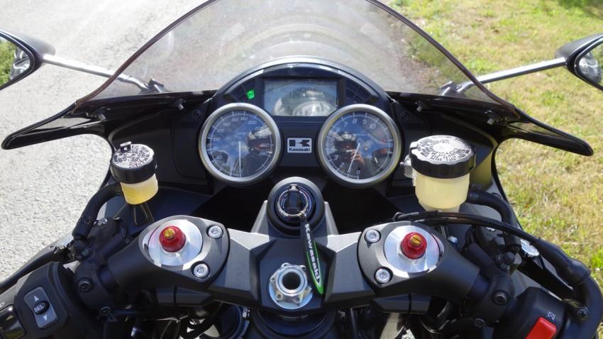 prendre la route à bord du ZZR 1400 2013