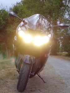 ZZR 1400, phare allumé