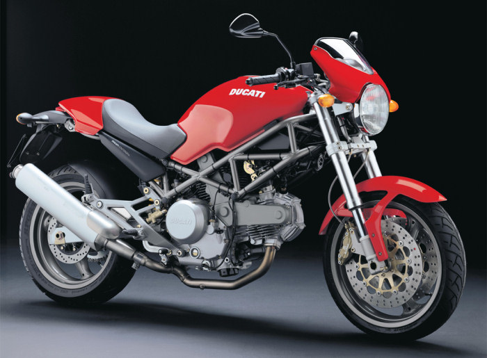 Ducati monster 620 à Rennes