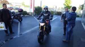 Jean-Claude sur son MT 09... de démo !
