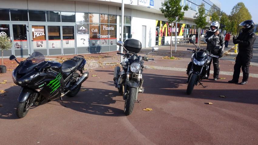 motard rennais bien équipé pour la balade moto au départ de rennes