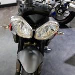 l'avant de la moto Triumph 35 à Rennes
