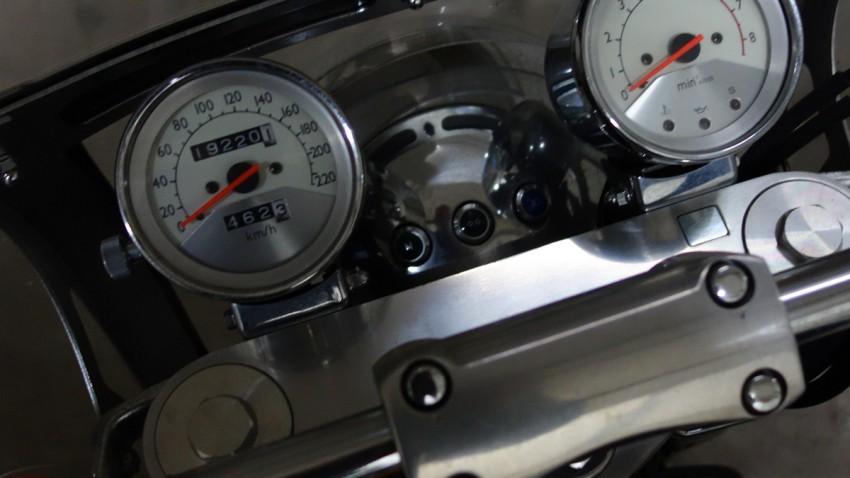 tableau de bord du F6C Honda