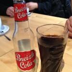 Du Breizh cola dans un verre Pepsi