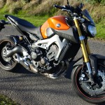 MT 09 orange à Rennes : moto d'essai Yamaha