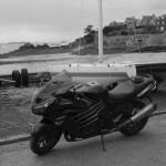 ZZR et motard de Saint-Malo