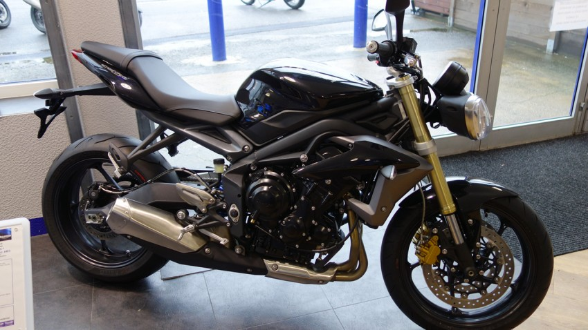 Triumph Street Triple Standard ABS noire