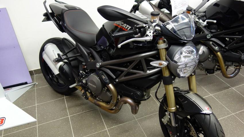Ducati Monstro 1100 evo noire chez City Bike à Laval