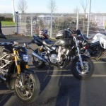 arrêt moto à Combourg entre motards Rennais voire Bretons