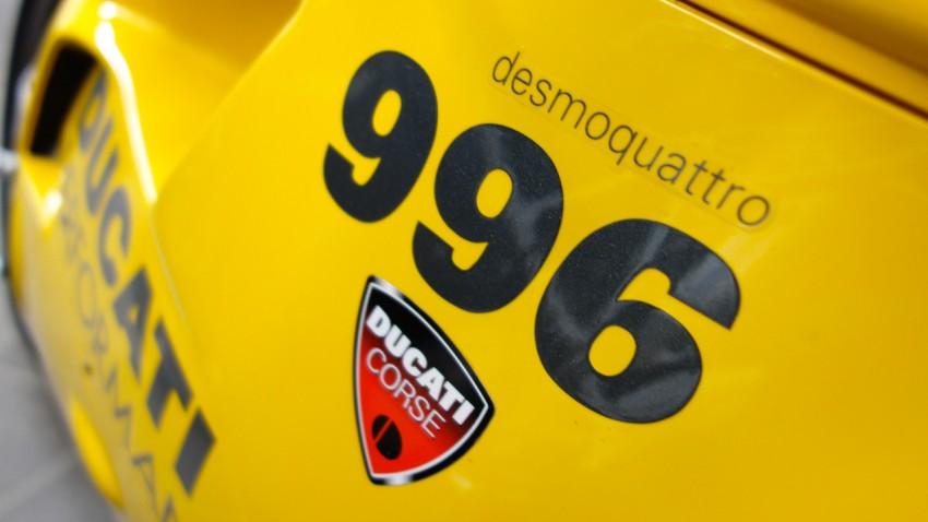 Ducati 996 jaune