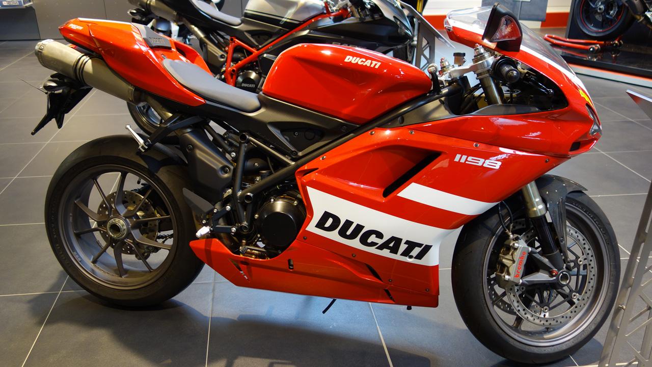 ducati moto et accessoire nantes concession moto italienne. Black Bedroom Furniture Sets. Home Design Ideas