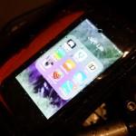 iphone et un support moto pour GPS Tomtom ou Navigon